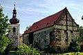 Tvrz a kostel v Kadově 03.jpg
