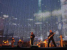 U2 brussels 2005-06-10.jpg