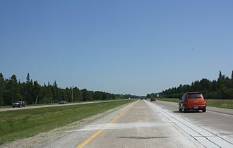 U.S. Route 2 in Michigan - Image: US2 and US41 Expressway north of Gladstone Michigan