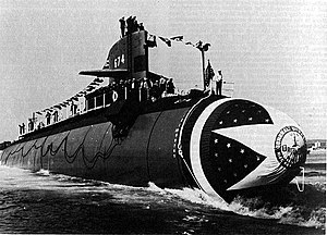 USS Trepang (SSN-674) launching