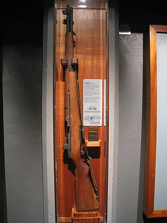 M1 Garand - M1 Garand displayed with en bloc clip at U.S. Army Museum of Hawaii