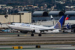 United Airlines Boeing 737 at LAX (22946904731).jpg