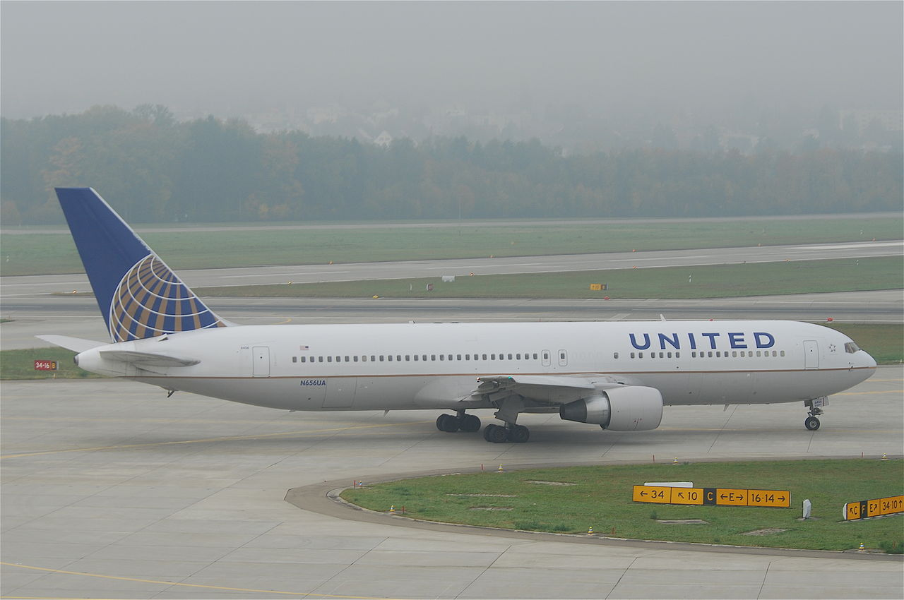 New media impact on united airlines