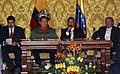 VII Encuentro Presidencial Ecuador-Venezuela. Entrega de créditos no reembolsables, suscripción de convenios y rueda de prensa (4465739269).jpg