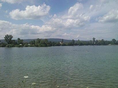 Jak do Vajnorské Jazero hromadnou dopravou - O místě