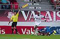 Valais Cup 2013 - OM-FC Porto 13-07-2013 - Arbitre de touche, André Ayew et Kelvin.jpg