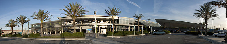 File:Van Nuys FlyAway Bus Terminal and Parking Structure.jpg