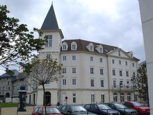 Vauréal - Town hall