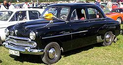 The four-cylinder Vauxhall Wyvern shared its body with the six-cylinder Vauxhall Velox pictured here. For both models, this Ponton, three-box shape replaced the original design in 1951.