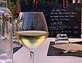 Verre de vin blanc au Roxy Brasserie Lounge.jpg
