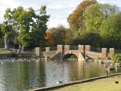 Verulamium-Park-lake-bridge-20031026-002