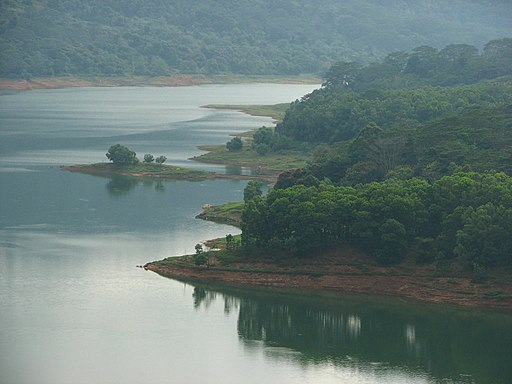 View of the lake at Kotamale, Sri Lanka
