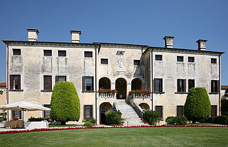 Palladian villas of the Veneto - Villa Godi in Lugo Vicentino. An early work notable for lack of external decoration