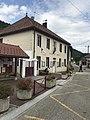 Villard-sur-Bienne - mairie-école.JPG