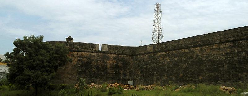 File:Vizianagaram fort walls 01.JPG