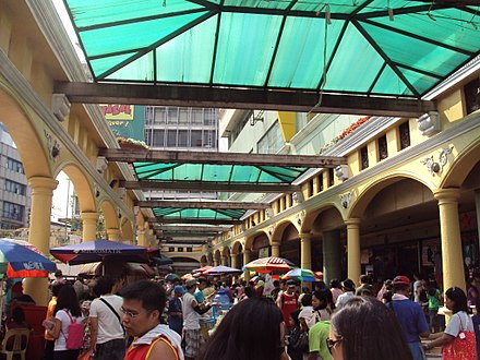 People flocking the street market at Plaza Miranda. WTMP Flashbang B4Miranda2.JPG