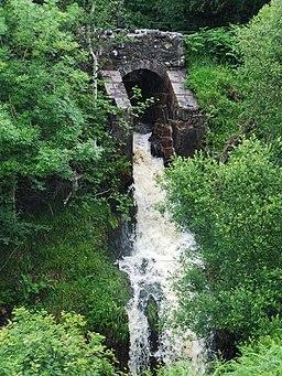 Waterfall on Greenock Cut - geograph.org.uk - 486635