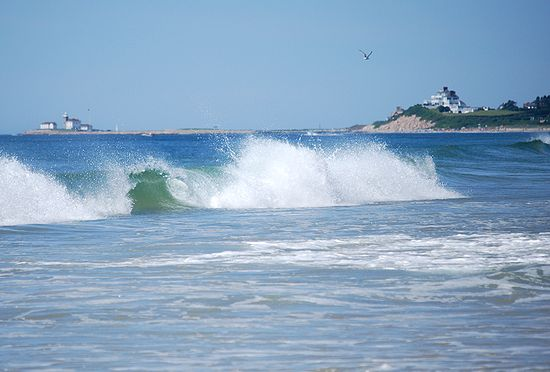 Wave and beach scene at Misquamicut RI.JPG