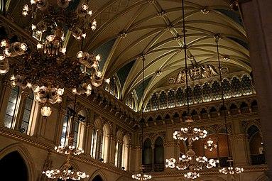 Wiener Rathaus Festsaal 2013 a.jpg