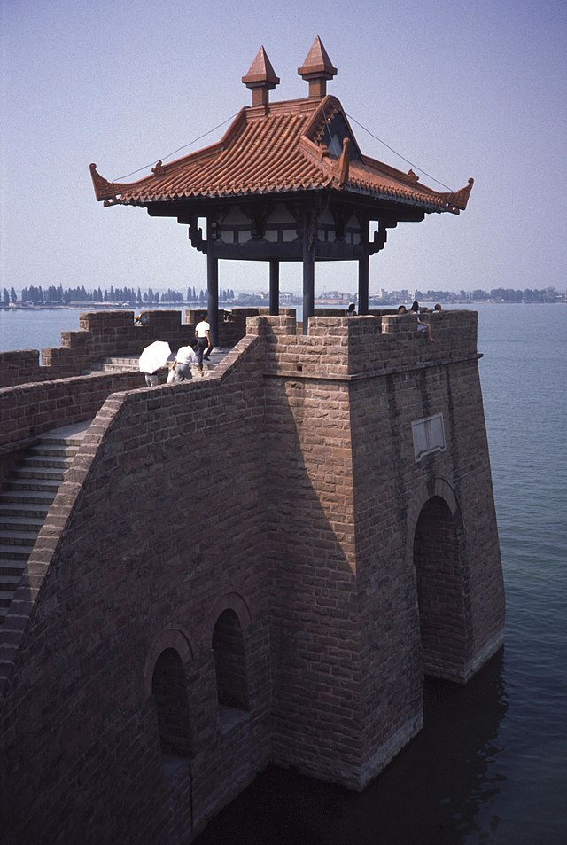 east lake wuhan