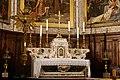 Église abbatiale de Saint Gilles du Gard-Maître autel-Croix de confrérie-20191029.jpg