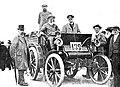 Émile Delahaye (à gauche), et Daniel Courtois sur Delahaye à Paris-Dieppe 1897.jpg