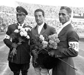 Fritz Thiedemann - Thiedemann (right) at the 1952 Olympics