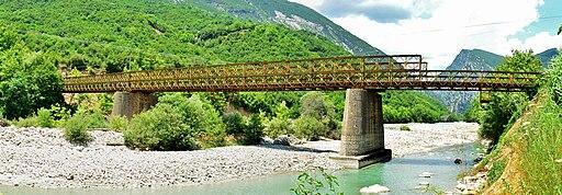Γέφυρες Πλάκας 210