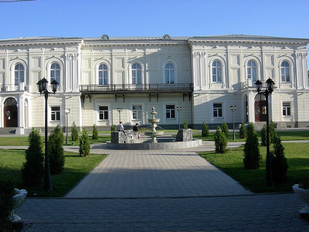 Атманский дворец