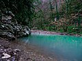 Бирюзовая вода реки Хоста.jpg
