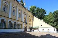 Вход в Покровский храм.JPG