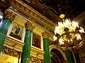 Исакиевский собор, внутри (иконостас и люстра), 2011-09-26.jpg
