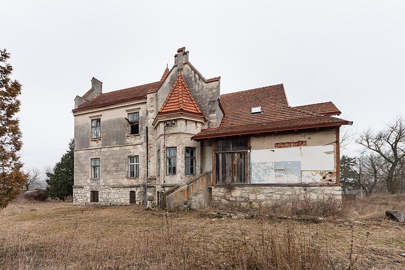 Житловий будинок, Личківці, Тернопільська область. Автор PhotoDocumentalist, вільна ліцензія CC BY-SA 4.0