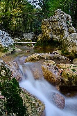 Невеликий водоспад -Великий каньйон Криму.jpg