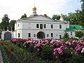 Никольская церковь над Святыми воротами Борисо-Глебского монастыря..jpg