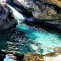 המערה הכחולה.jpg