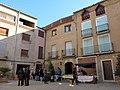 038 Plaça de Longinos Navàs 1-4 (Cabacés).JPG