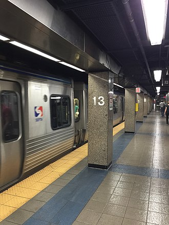 13th Street station (SEPTA) - Image: 13th Street MFL 1
