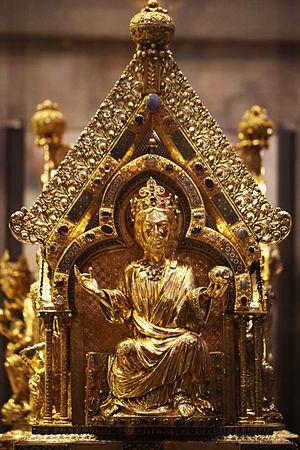 Marienschrein - Image: 1414 2014. 600 Jahre Chorhalle des Aachener Doms. Jesus Christus auf der rechten Schmalseite des Marienschreins