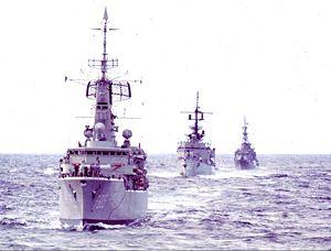 USS Edward McDonnell (FF-1043) - Image: 15 Van Nes Mc Donnell Lubeck entering Lisbon Feb 75