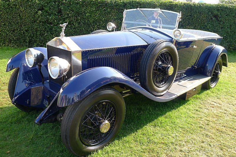 https://upload.wikimedia.org/wikipedia/commons/thumb/f/fc/1924_Rolls-Royce_Silver_Ghost_Labourdette_-_Flickr_-_edvvc.jpg/800px-1924_Rolls-Royce_Silver_Ghost_Labourdette_-_Flickr_-_edvvc.jpg