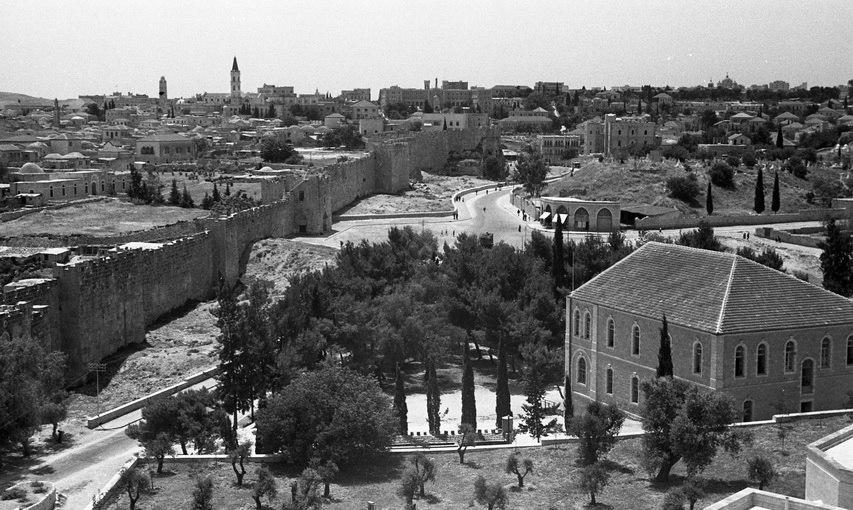 1938 מבט על הרובע הנוצרי צלום מגג רוקפלר - iדגניi btm12035.jpeg