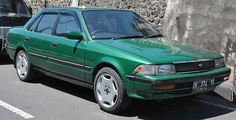 Description 1988-1992 Toyota Corona EX Saloon (front view), Karangasem