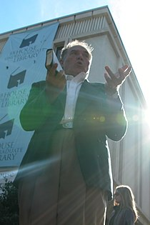 2003-10-03 Gary Birdsong with sun flare.jpg