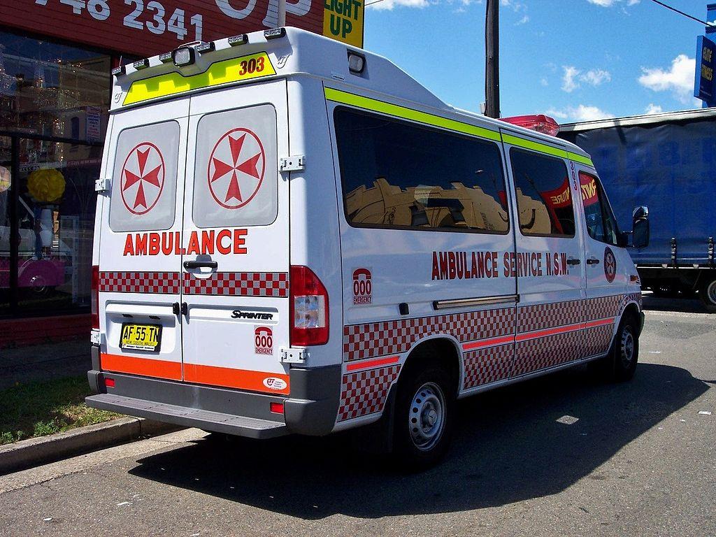 file 2005 mercedes benz sprinter 316 cdi ambulance. Black Bedroom Furniture Sets. Home Design Ideas