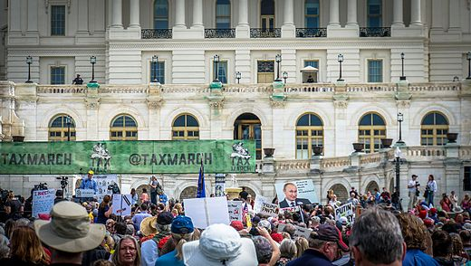 2017.04.15 -TaxMarch Washington, DC USA 02317 (33902773262).jpg