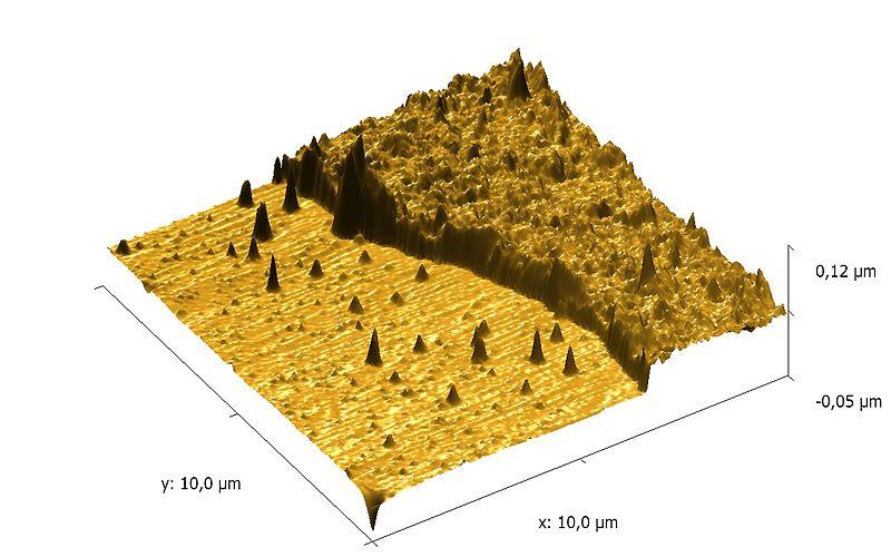 File:AFMi 3D kujutis sadestatud üliõhukese polümeerkile servast.jpg