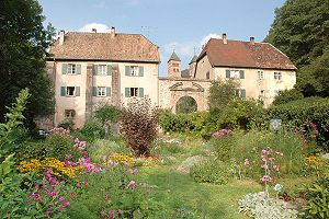 Murbach Abbey - Image: Abtei Murbach Klostergarten
