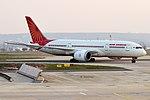 Air India, VT-ANA, Boeing 787-8 Dreamliner (40665210023).jpg