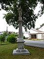 Albrechtice, kříž u kostela svatého Petra a Pavla (2).JPG